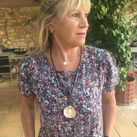 Yourjoy_jewelry   The summer is still here 🐠🌞Seashell necklace for the evenings summer. Gracias 💙nos encanta ver fotos con nuestras joyas! . . . #jewels #joyas #plata #silver #design #caracolesdemar #seashells #joyasartesanales #joyaspersonalizadas #joyasunicas #gold #pearl #perlasnaturales
